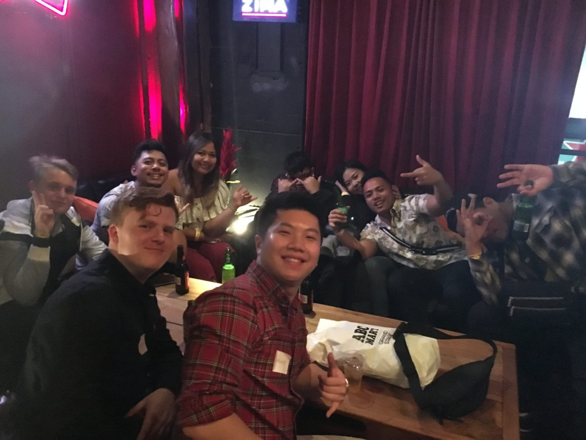 12/22/2018 OSAKA CHRISTMAS PUB CRAWL!